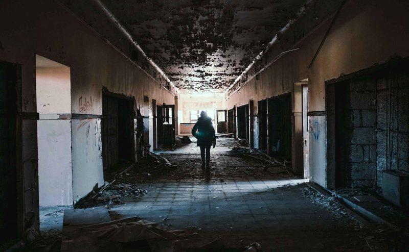hallway-1245845