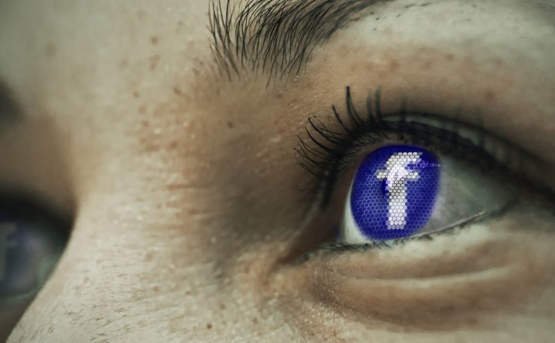 socialmedia eye-1553789